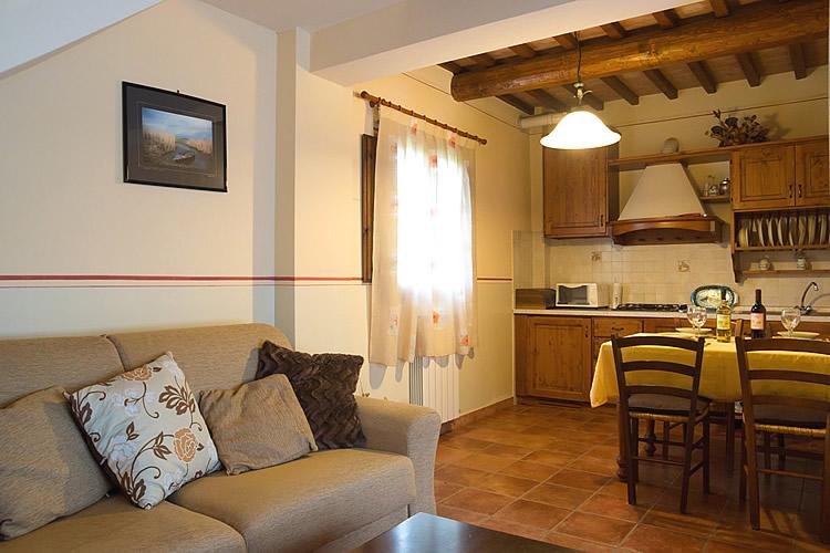 Appartamenti agriturismo toscana appartamenti in for Appartamenti firenze